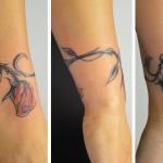 Tatouage de bracelet floral