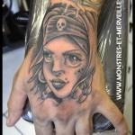 Tatouage de pirate femme