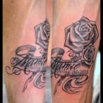 Tatouage rose mamie