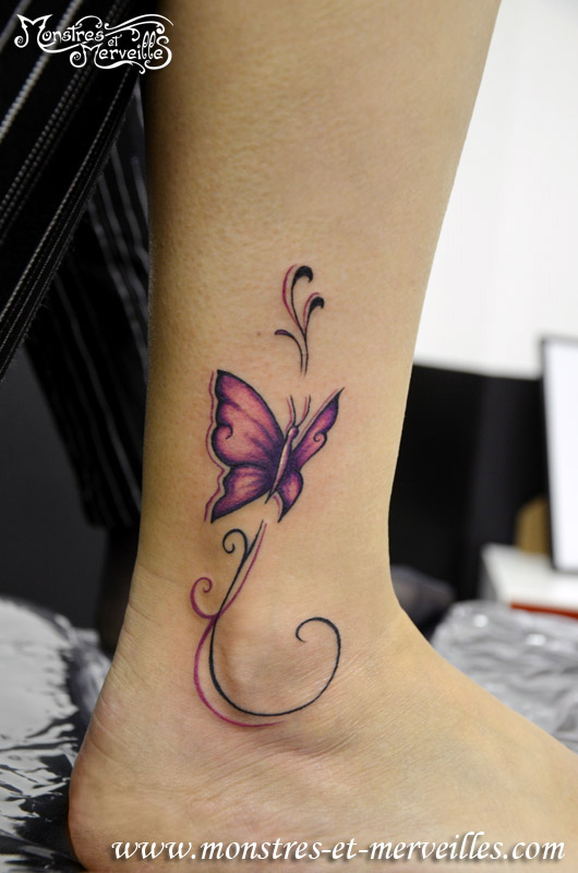 Tatouage de papillon à la