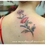 Tatouages de fleurs champêtres