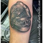 Tatouage casque pompier